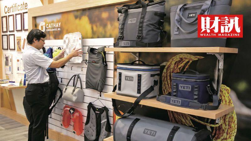 ▲各種登山露營的配備都來自於八貫之手。(圖/財訊雙週刊)