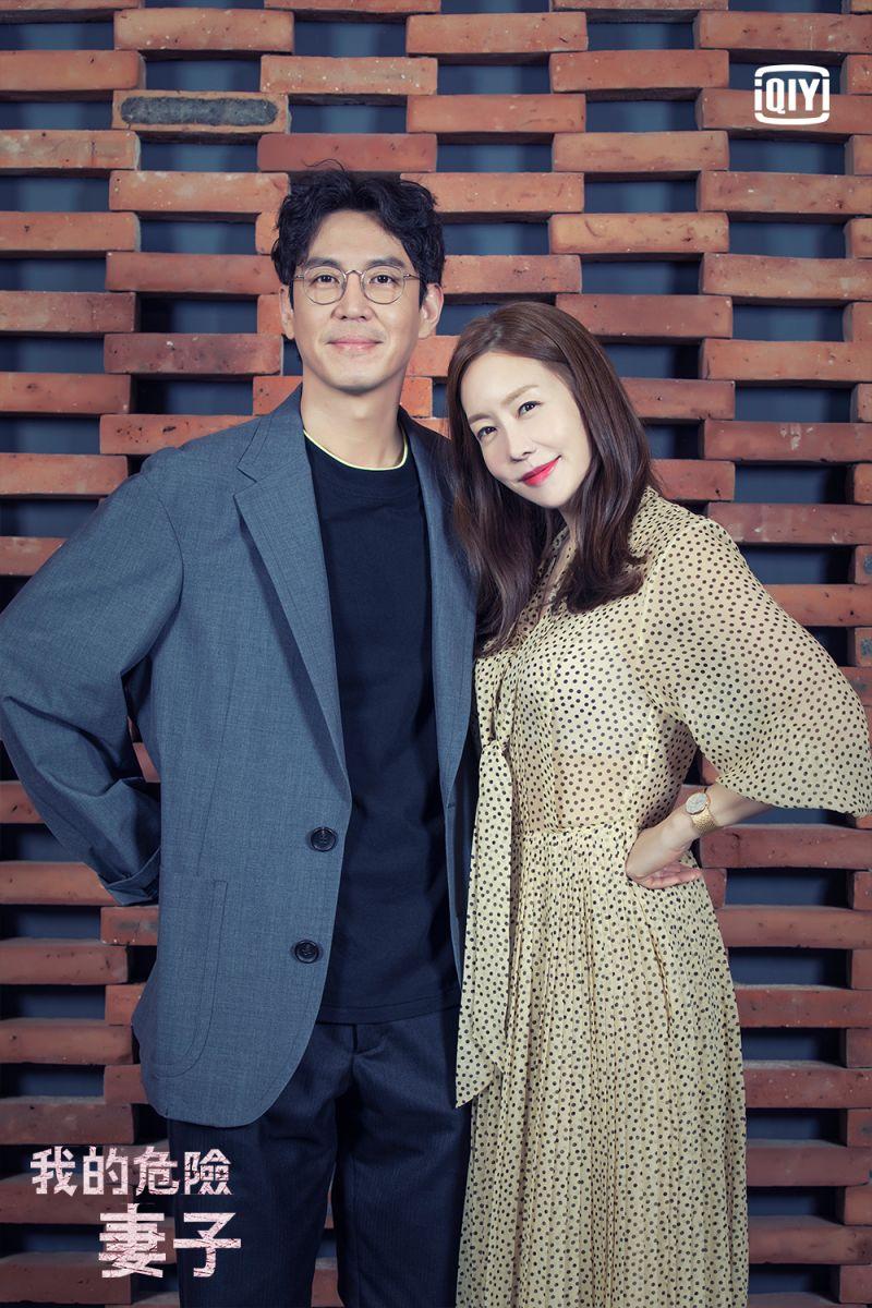 ▲金廷恩(右)跟崔元英劇中飾演一對夫妻。(圖/愛奇藝海外站)