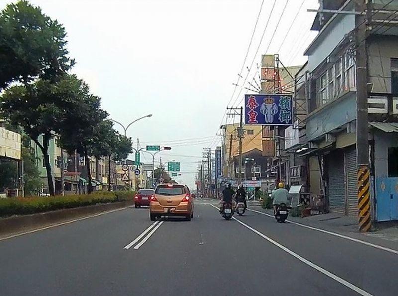 屏東監理站提醒用路人 道路上雙白實線標線是禁制作用