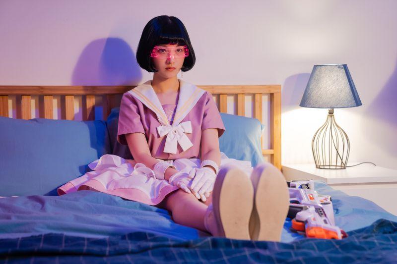 東波的單曲《Endin' Tonight》MV,請來「迷惘美女神」李優合作。(圖/黑市音樂提供)