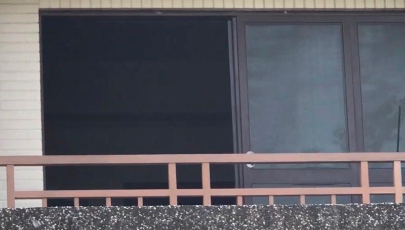 ▲一對情侶被發現陳屍於台南仁德區某套房內,女子頸部有勒痕