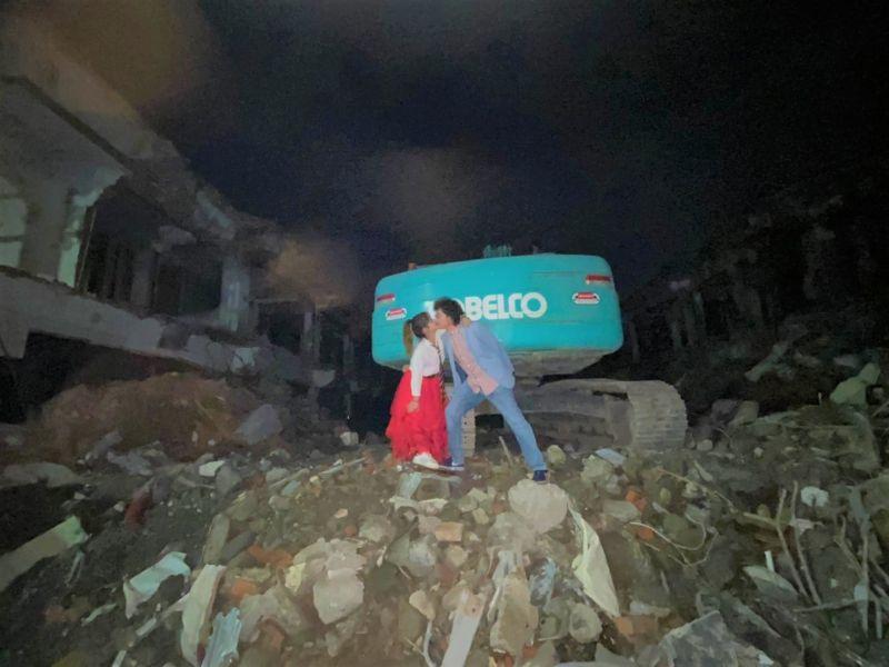 縣議員進工地拍婚照 訴求反對斗六東市場<b>拆建</b>