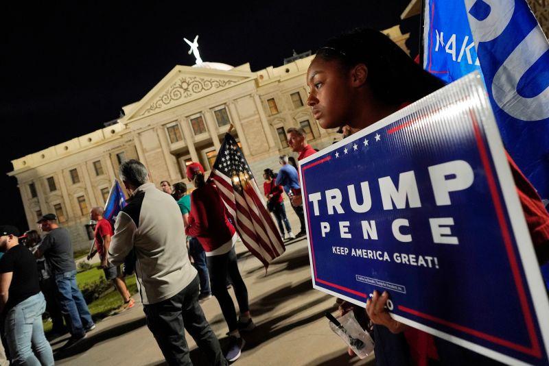 ▲美國總統大選戰況陷入膠著,外界擔憂相近的票數可能暗示,選舉後會發生嚴重的社會撕裂和紛爭。(圖/美聯社/達志影像)