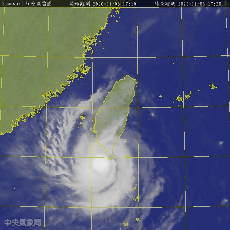 ▲閃電颱風暴風圈正在侵襲高雄、台東及恆春半島地區,台南也將會進入警戒範圍。(圖/氣象局)