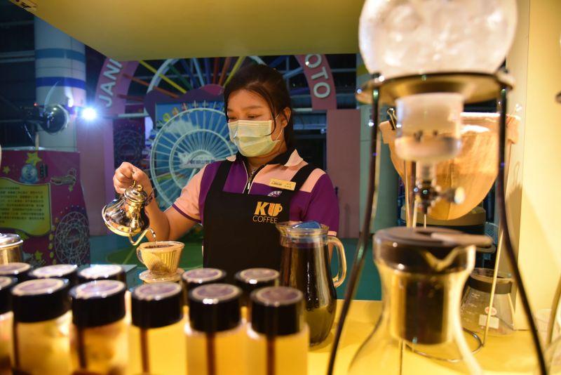 ▲嵩岳咖啡跟巴西咖啡列為全球第一名。(圖/記者蘇榮泉攝,2020.11.06)