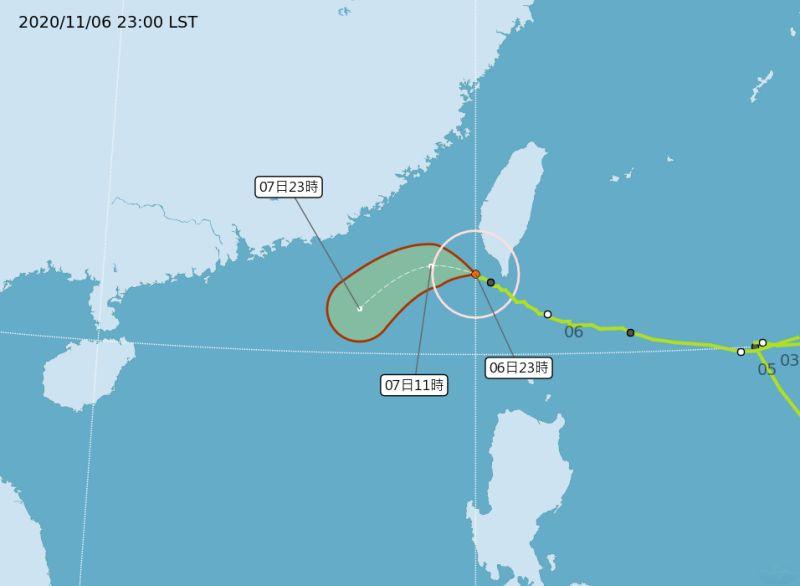 閃電颱風過境!恆春台東風強雨大 7日白天北台灣雨增強