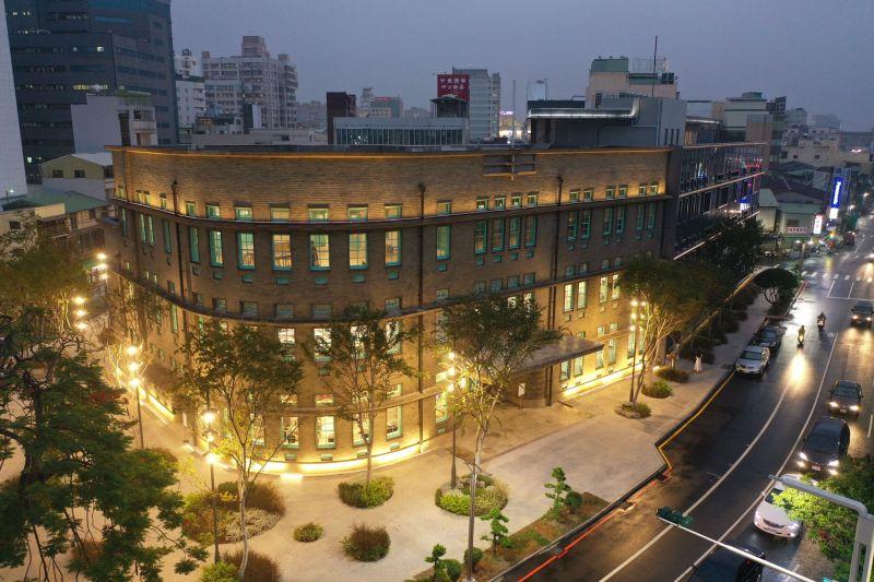 承繼嘉義「畫都」傳統,嘉義市立美術館正式開幕。(圖/嘉巿府提供)