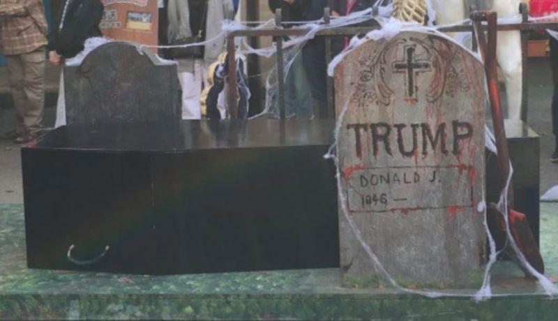 ▲六福村驚見有川普名字的墓碑裝飾,引發部分台灣網友不滿。(圖/翻攝六福村臉書)