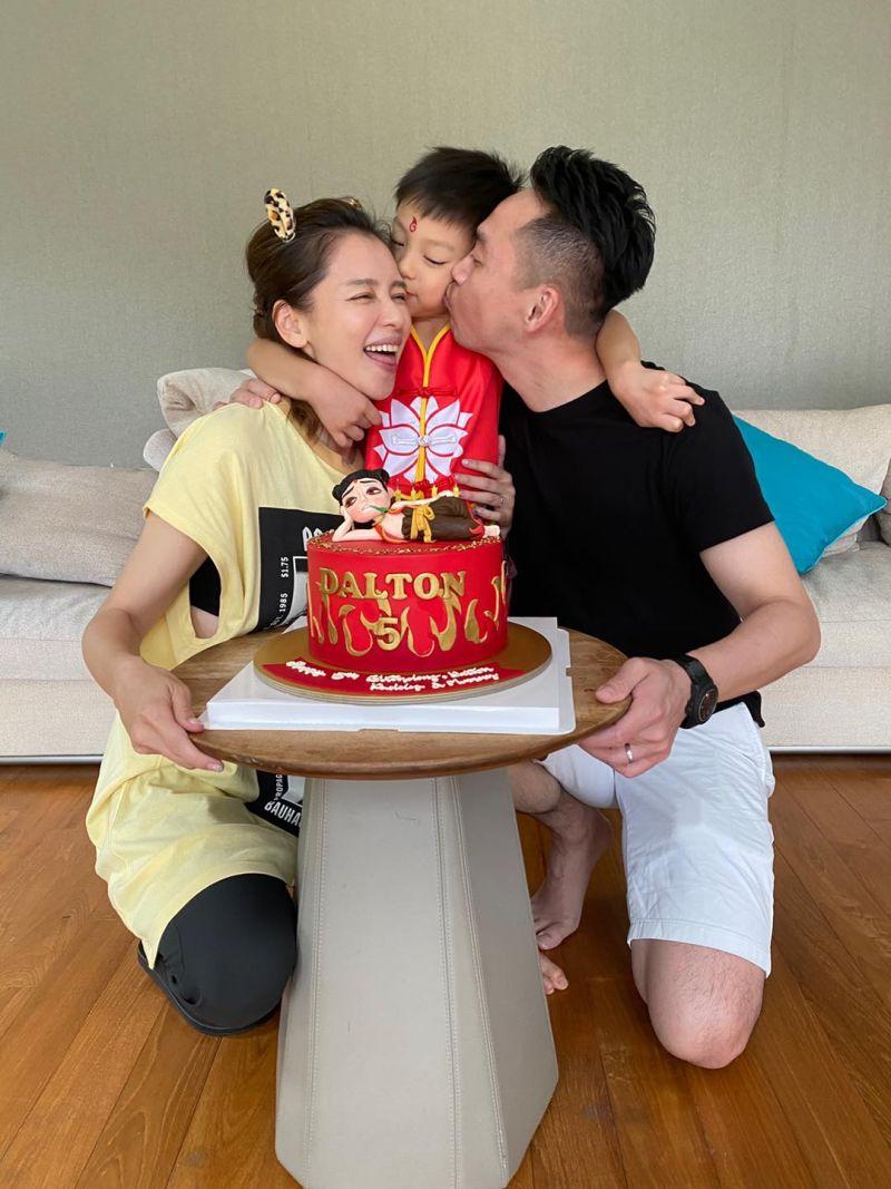▲徐若瑄(左)對於自己的婚姻有自信也很灑脫。(圖/徐若瑄臉書)