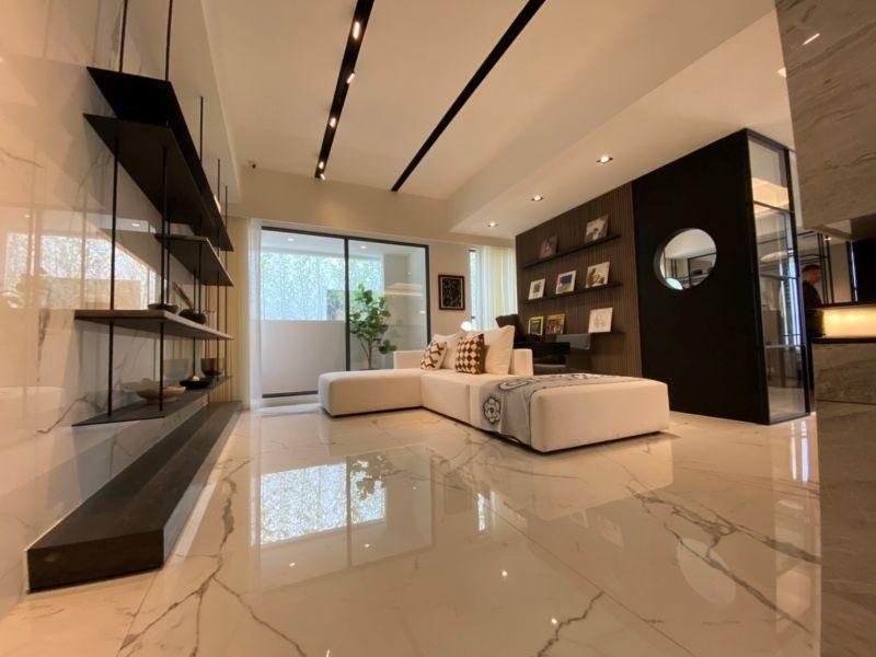 ▲標榜豪宅的品質與建材,兩房最低不到800萬,目前已經有7百多組預約看屋,要在月底挑戰一日完銷的紀錄。(圖/資料照片)
