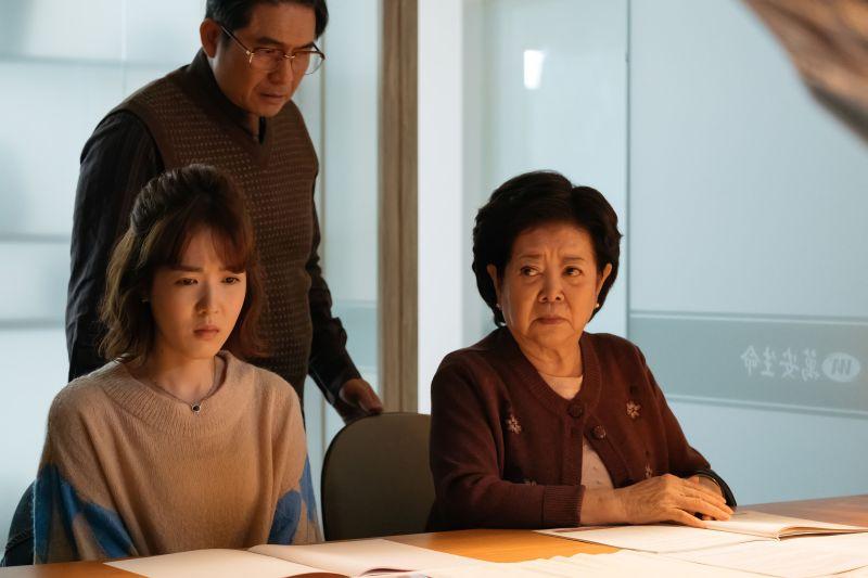 ▲陳淑芳(右)獲得最多網友支持。(圖/《孤味》劇照)