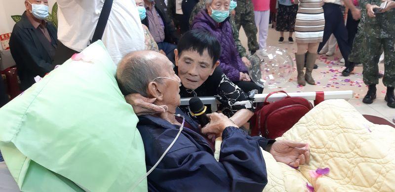 新竹榮家首場生前告別式 90歲癌末<b>榮民</b>與妻相約來生續緣