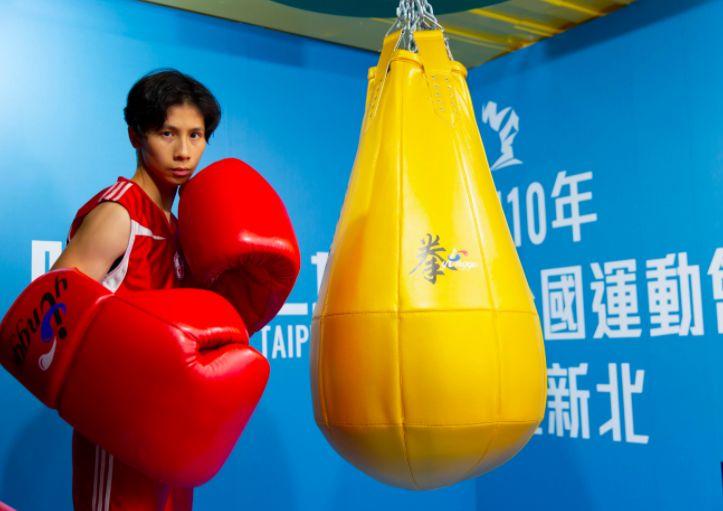 ▲拳擊女王林郁婷霸氣大手套出拳。(圖/新北市體育處提供)