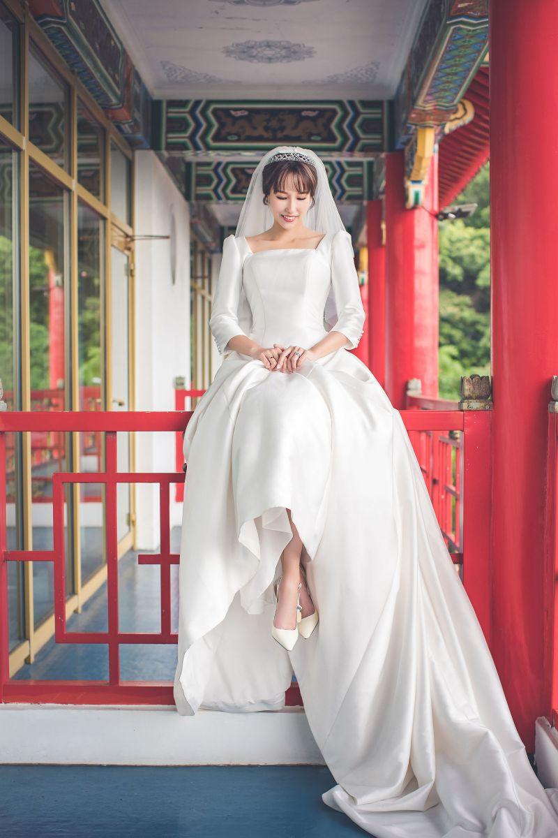 ▲潘嘉麗與游政豪的婚紗照曝光。(圖/游手好弦提供)