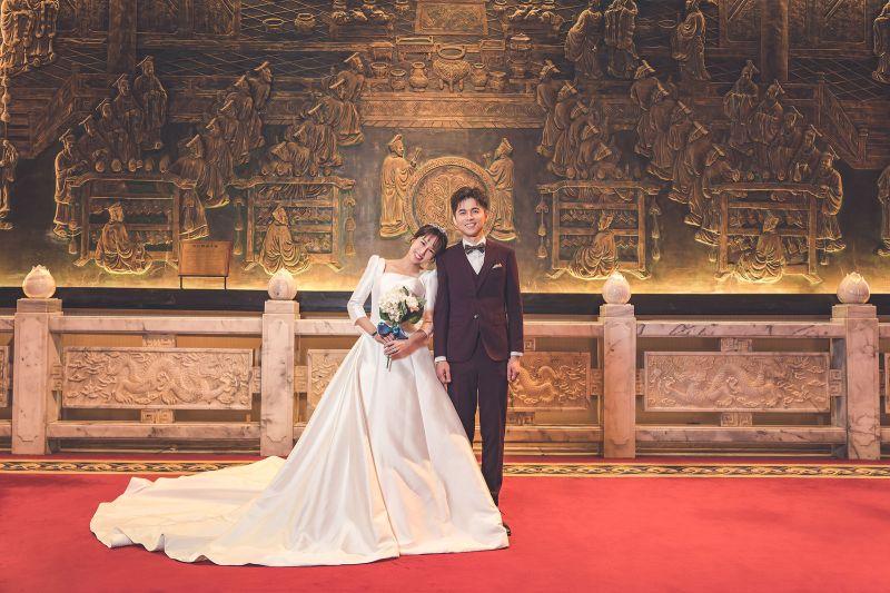 潘嘉麗與游政豪的婚紗照曝光。(圖/游手好弦提供)
