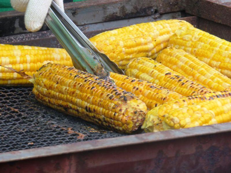 夜市買2支玉米「被收262元」!女客嚇壞 內行曝關鍵原因