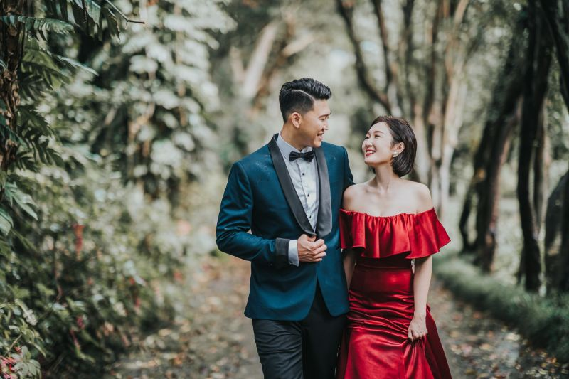 ▲女主播李美萱12日甜蜜宣布婚訊,並透露和老公是透過交友軟體認識的。(圖/翻攝自李美萱臉書)