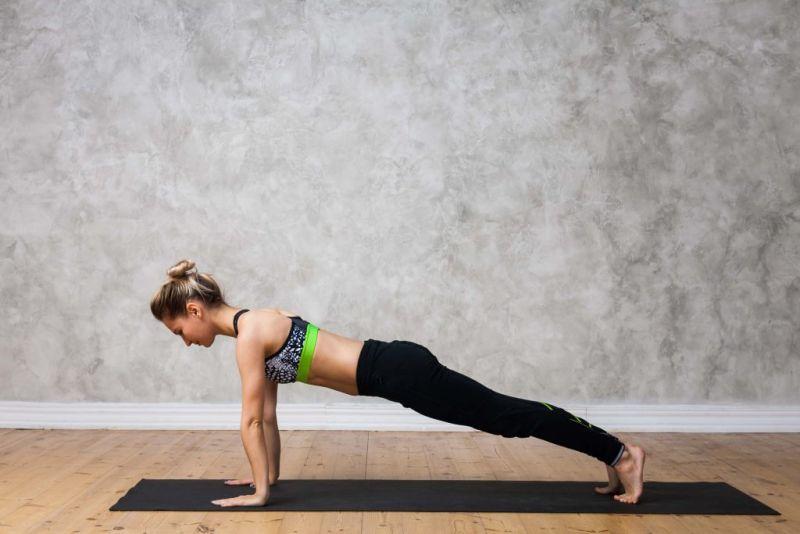 ▲平板支撐可鍛鍊手臂及腹部。(圖/Shutterstock)
