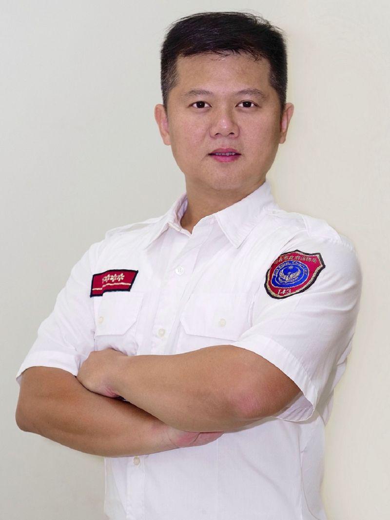 劉逸昇、賴啟瑞 獲「鳳凰獎」 總統府表揚