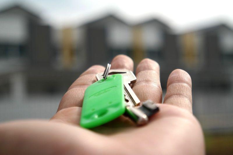 ▲買社區房該如何避免投資客?貼文立刻引發熱議。(示意圖/翻攝Pixabay)