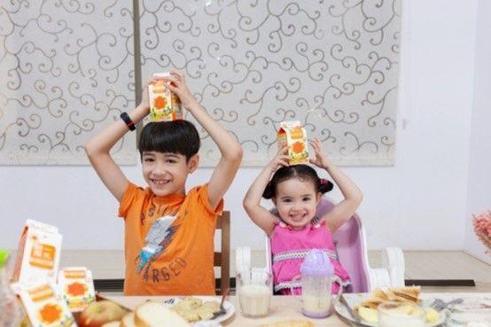 ▲不論是中式或西式早餐,伊萊媽都會準備統一陽光黃金豆豆漿,伊萊兄妹也非常喜歡喝豆漿。(圖/