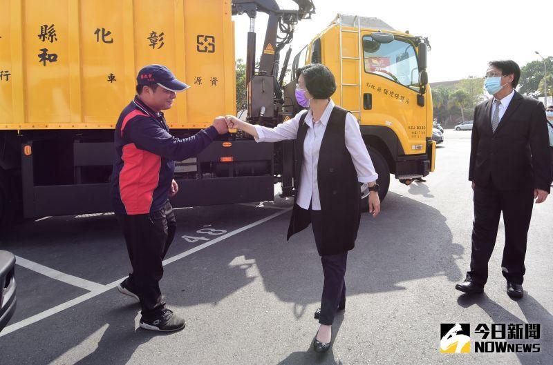▲彰化縣長王惠美向所有清潔隊員感謝致敬。(圖/記者陳雅芳攝,2020.11.18)