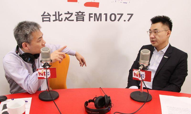國民黨主席江啟臣19日上午接受廣播媒體專訪時,直言NCC不予中天新聞台換照一事,就像是威權時代的新聞局復辟,扼殺言論自由。