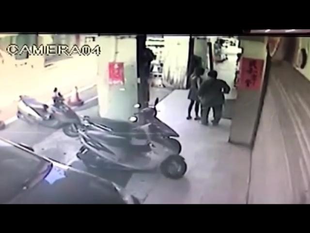 影/情海生波萌殺意 63歲男當街捅死女友