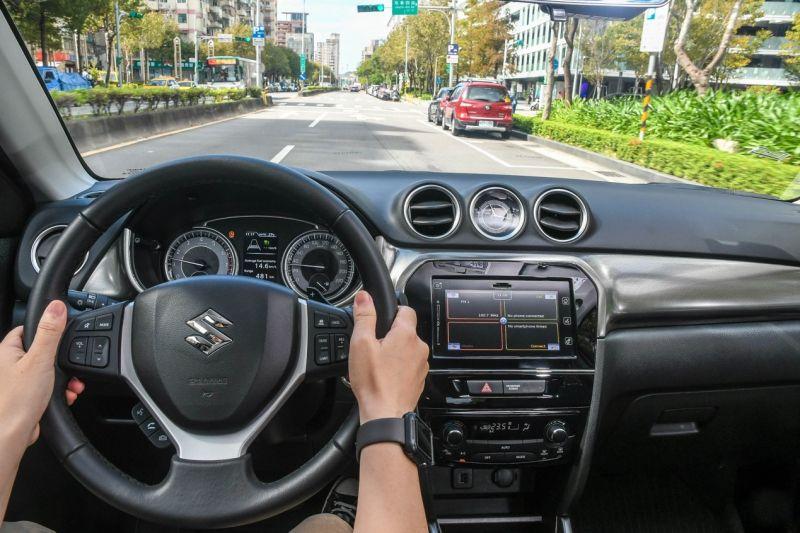 ▲VITARA內裝相當講究,安全科技更是給好給滿,實用的ACC定速能為駕駛分憂解勞,相當貼心。(圖/資料照片)
