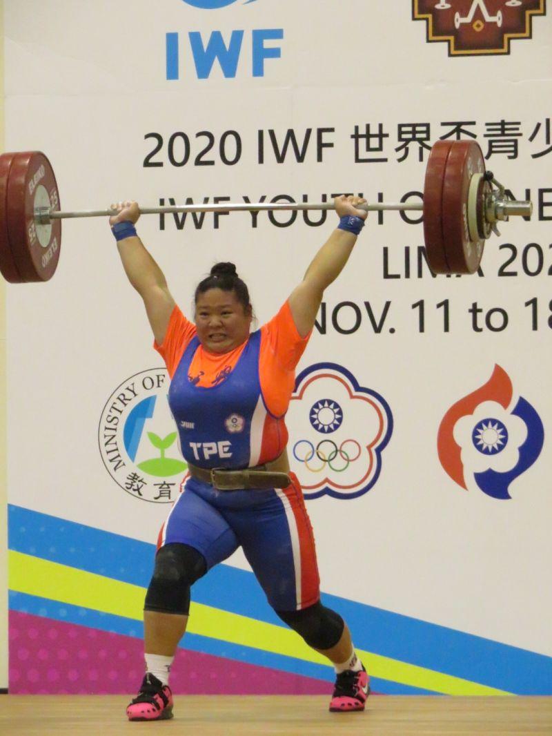 ▲台灣靠著「練武奇才」汪淩蓁在女子無限量級以抓舉95公斤、挺舉135公斤與總和230公斤,拿下3面銀牌,成為本次最大贏家。(圖/舉重協會提供)