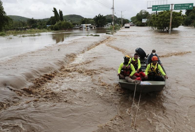 ▲大西洋今年最大風暴颶風約塔(Iota)侵襲中美洲,引發土石流,摧毀建築物,導致數以千計民眾無家可歸。(圖/美聯社/達志影像)
