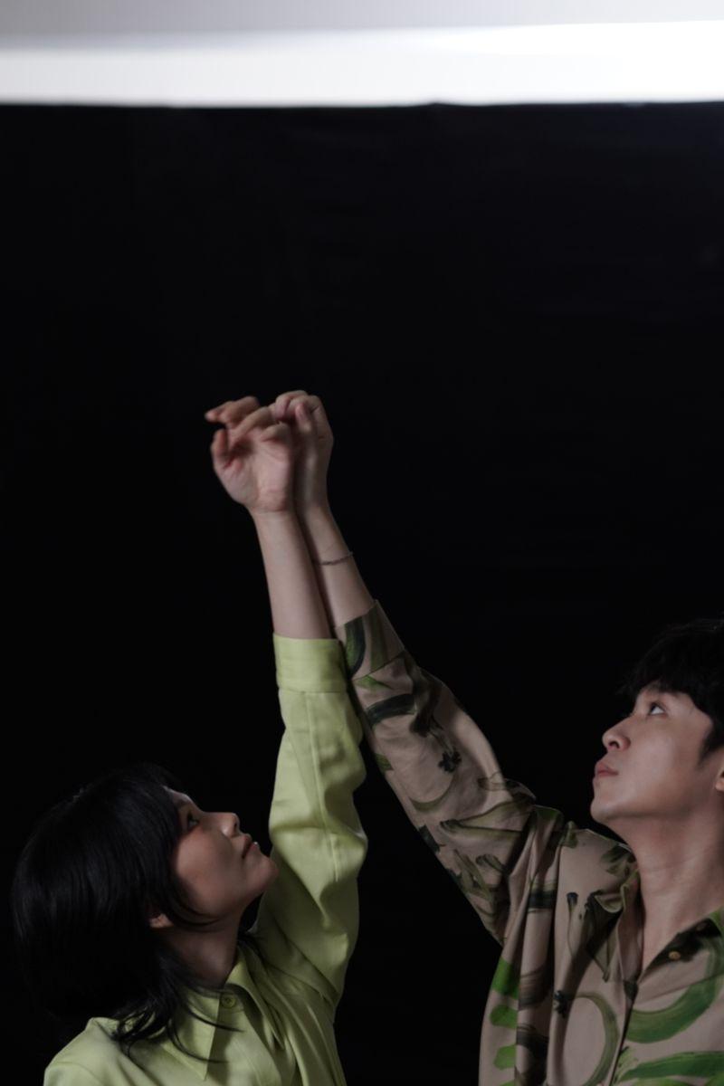 ▲柯泯薰邀請吳青峰共同作曲《另個時空的你》。(圖/華研國際提供)