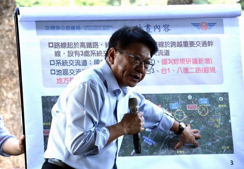 ▲縣長潘孟安擔心反而離市區較遠,且會涉及更大面積的私有地,建議恢復原來的路廊規劃,以符合屏東整體交通路網需求。(圖/屏東縣政府提供,