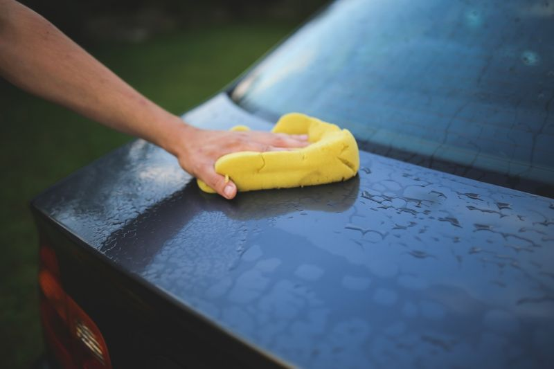 ▲人妻給老公1000元至自助洗車場洗車,不過回家後卻只剩下1、200元,老司機立刻點出關鍵。(示意圖/翻攝自Pixabay)