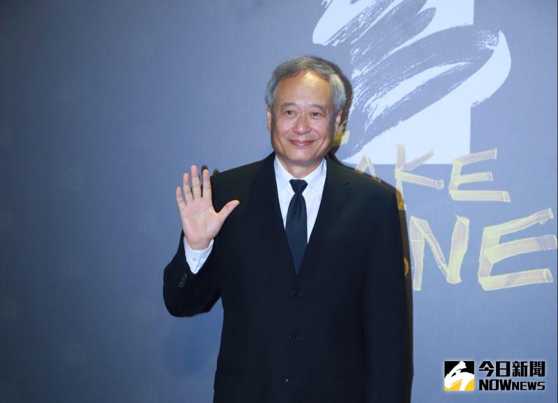 ▲李安第一個現身第57屆金馬獎紅毯,露出溫暖微笑。(圖/NOWnews影像中心)