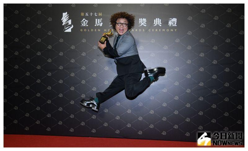 ▲納豆超嗨,在後台跳得超高。(圖/NOWnews影像中心)