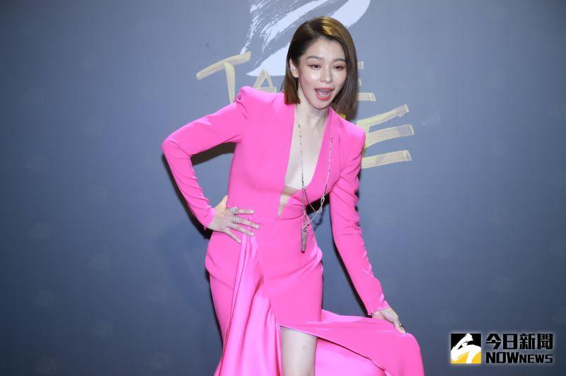 ▲徐若瑄頒最佳女配角拖時間被PTT網友罵翻。(圖/NOWnews影像中心)