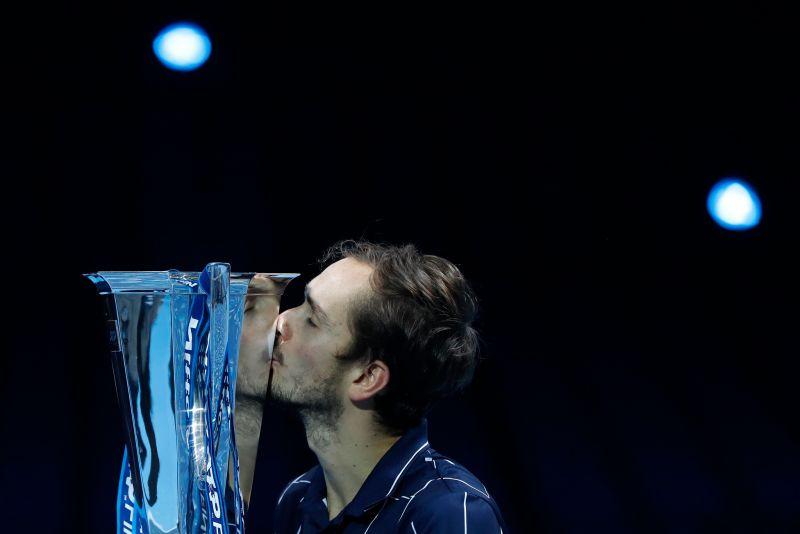 網球/連克世界前三好手 Medvedev首獲ATP年終賽冠軍