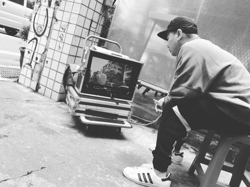 ▲Dino透露自己正在導新歌MV。(圖/