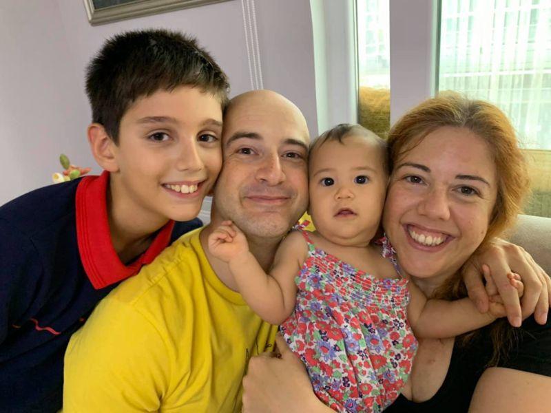 ▲吳鳳(左2)在土耳其的家人疑似確診。(圖/吳鳳臉書)