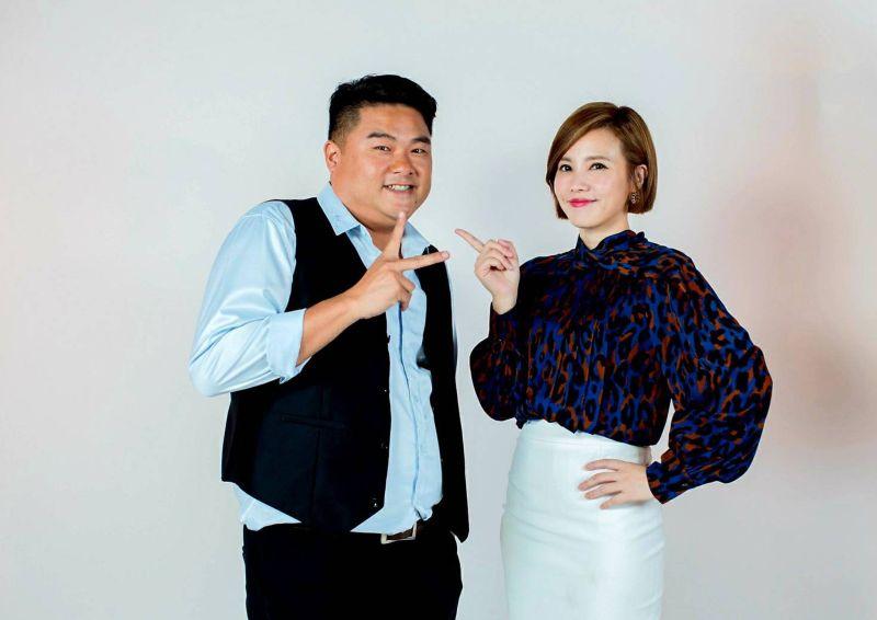 ▲呂捷(左)、王偊菁主持談話性節目。(圖/三立提供)