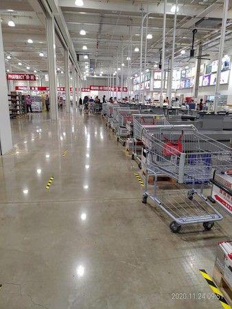 ▲網友分享自己去好市多黑色購物節採買,卻發現人潮並沒想像中多。(圖/翻攝好市多)