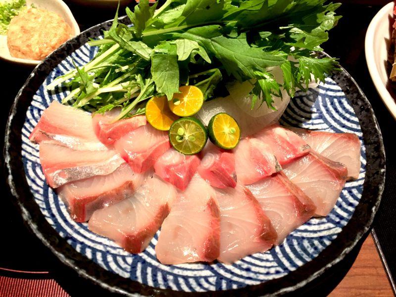 ▲在日本,鰤魚為「吉利」的象徵,是除夕或慶賀時必吃的美味。(圖/記者黃仁杰攝)