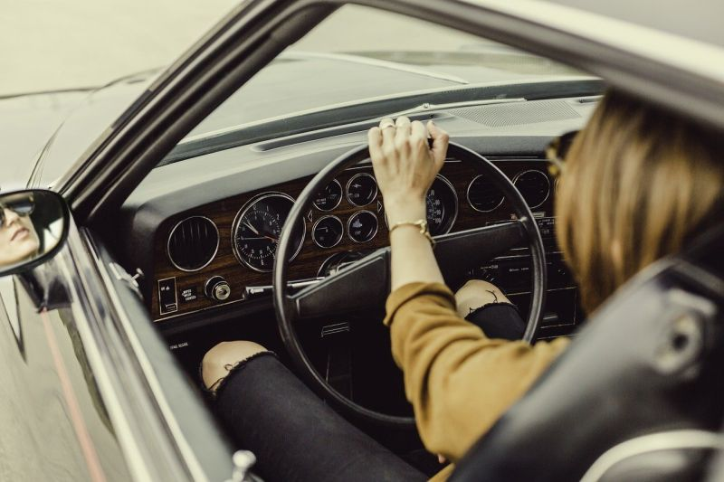 她爽買中古車!一開後車廂臉懵了 網安慰:<b>交車</b>禮好豐富