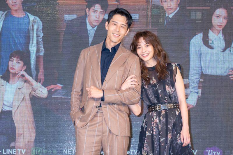 ▲胡宇威(左)、葉星辰主演《王牌辯護人》。(圖 / 東森提供)