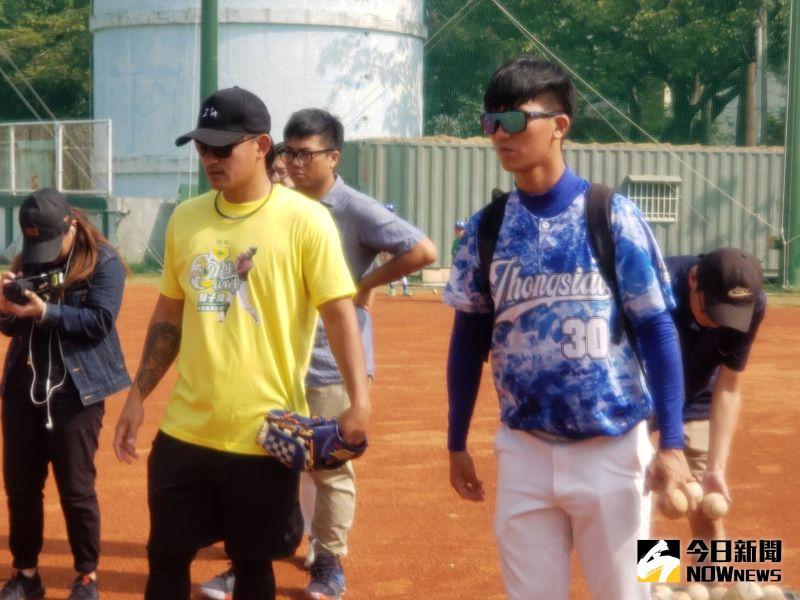 MLB/林子偉返回母校忠孝國小 昔日同學已成總教練