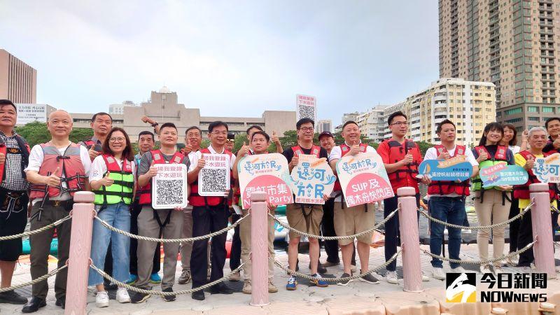 ▲高雄市長陳其邁宣布「愛河還河於民」,愛河是屬於大家的。(圖/記者鄭婷襄)