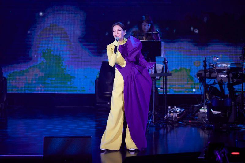 周蕙紫黃秀服推薦蘇永康穿 自虧「像陰陽人」