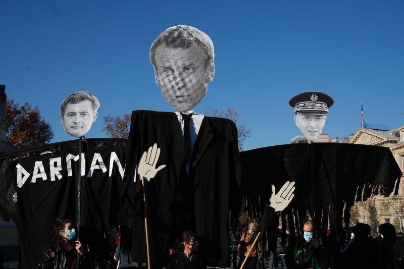法國<b>整體安全法</b>爭議延燒 巴黎5萬人上街怒求撤回