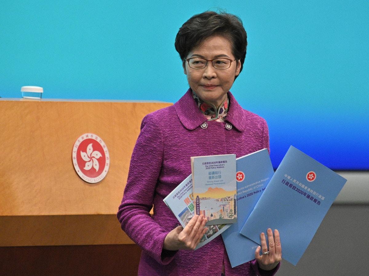 ▲香港行政長官林鄭月娥今天說,目前政府的首要任務是與中國大陸方面商討恢復正常通關,強調這比恢復國際通關更重要。資料照。(圖/美聯社/達志影像)